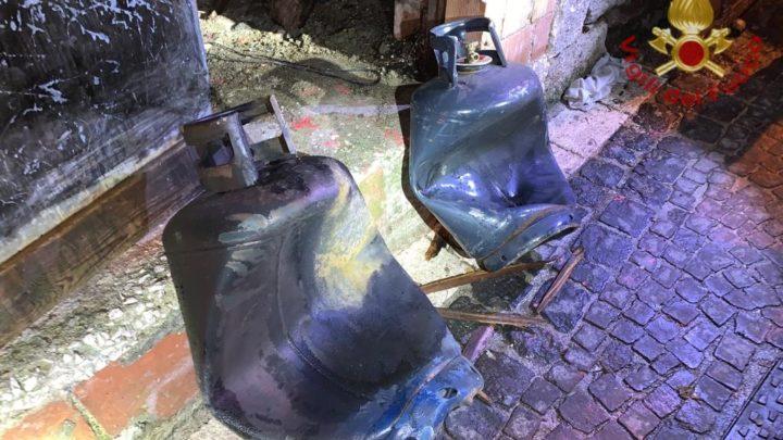 Boato nel centro storico di Fornelli, esplode bombola di Gpl