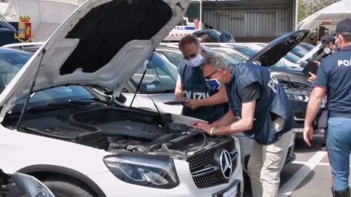 Cassino – Riciclaggio internazionale di auto di lusso, due arresti della Polizia Stradale