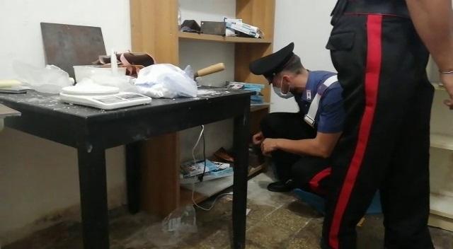 Scoperto a Roma laboratorio clandestino di cocaina