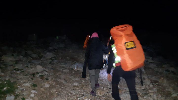 Scivola e si frattura il polso a Campocatino, coppia recuperata nella notte dal Soccorso alpino