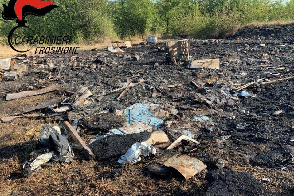 Incendia rifiuti a Castro dei Volsci, denunciato 43enne