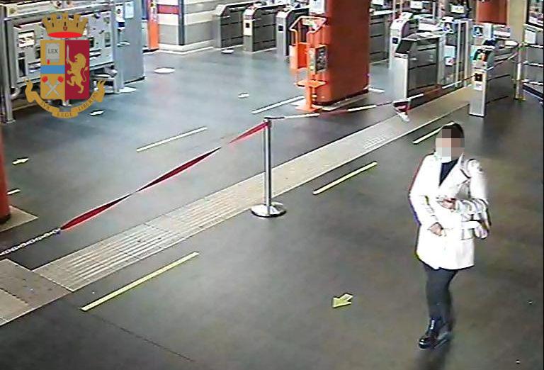 Roma – Avvenente sudamericana adescava uomini soli per rapinarli, arrestata