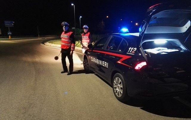 Cassino, carabinieri multano due persone senza mascherina