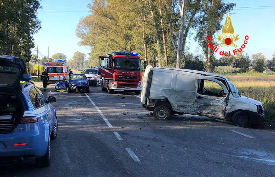 Tragico incidente stradale a Sabaudia, un morto e due feriti