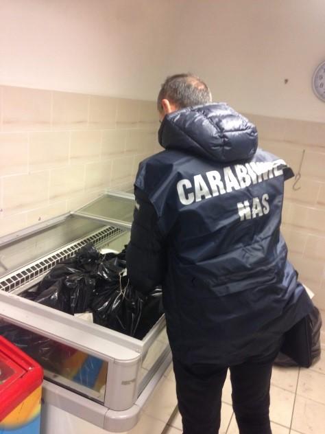 Sequestrati 300 chili di carne in un ristorante a Formia