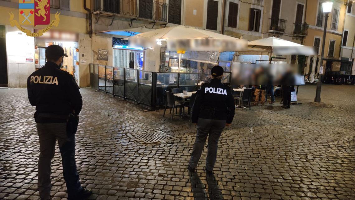 Festa in villa a Roma, giovane cade dal tetto della villa per fuggire a controlli