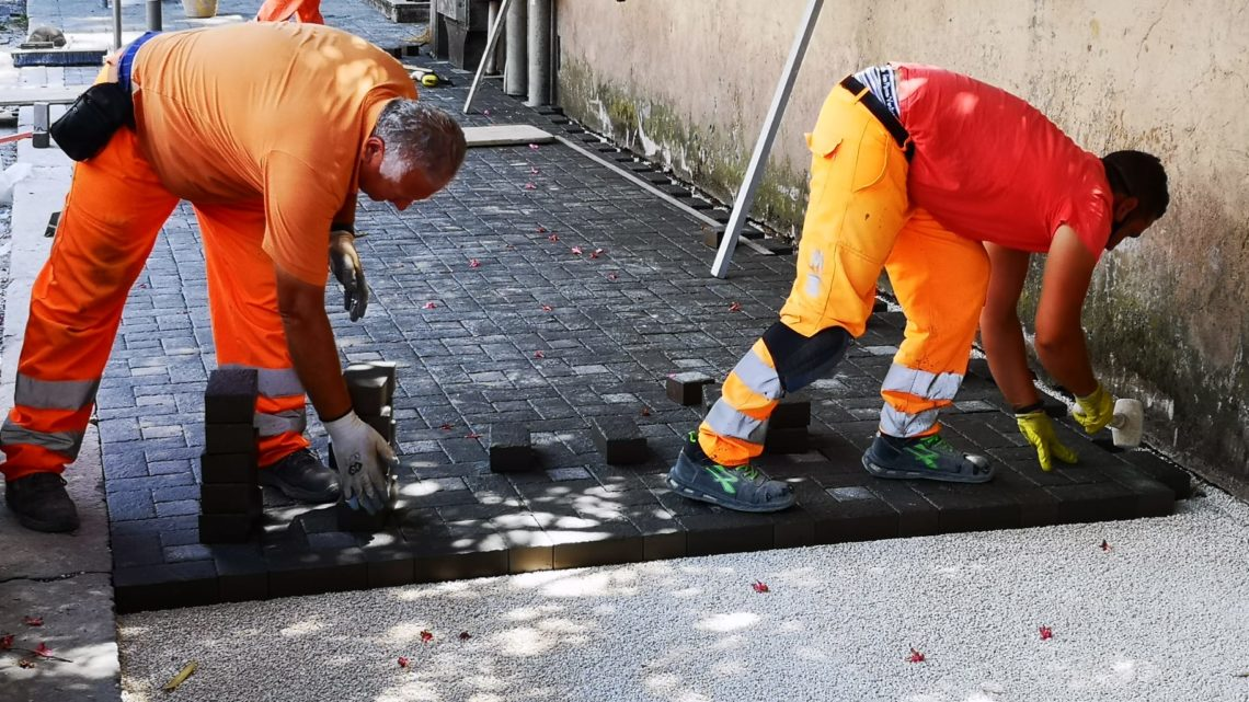 Saxa Gres regala un attraversamento rialzato in sampietrini al Comune di Frosinone