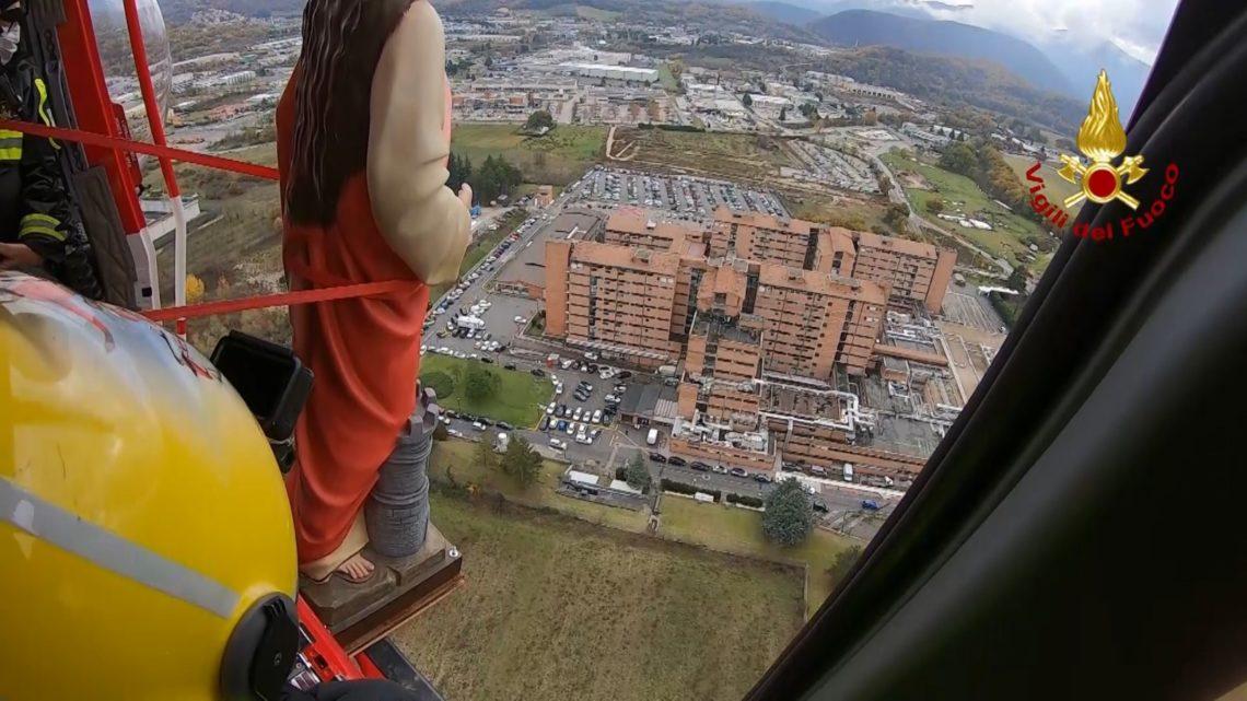 """Rieti: """"Processione volante"""" per Santa Barbara, in elicottero l'effige della santa"""""""