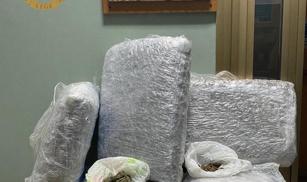 Ventisei chili di marijuana in un casale abbandonato, 38enne arrestato dalla polizia a Frascati