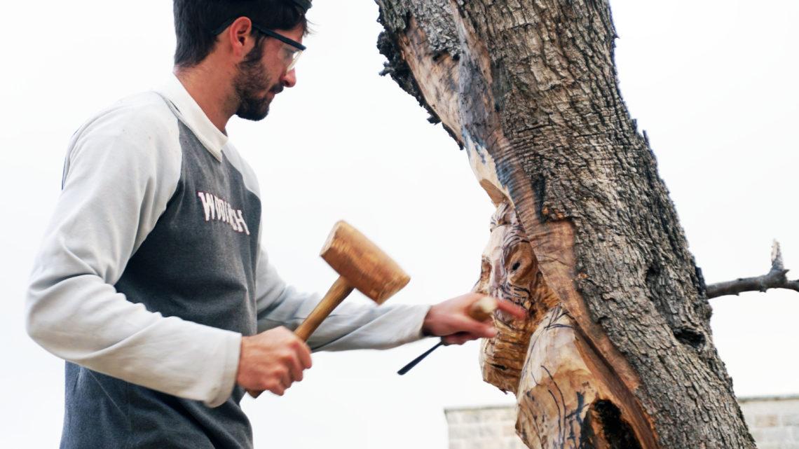 Il legno, il santo, l'artista ed il fuoco. Andrea Gandini a Novoli