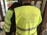 Preparazione abusiva di cibo per asporto all'interno di un chiosco adibito a vendita di abbigliamento, interviene la Polizia Locale
