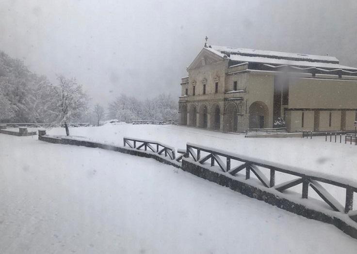 La neve al Santuario di Canneto