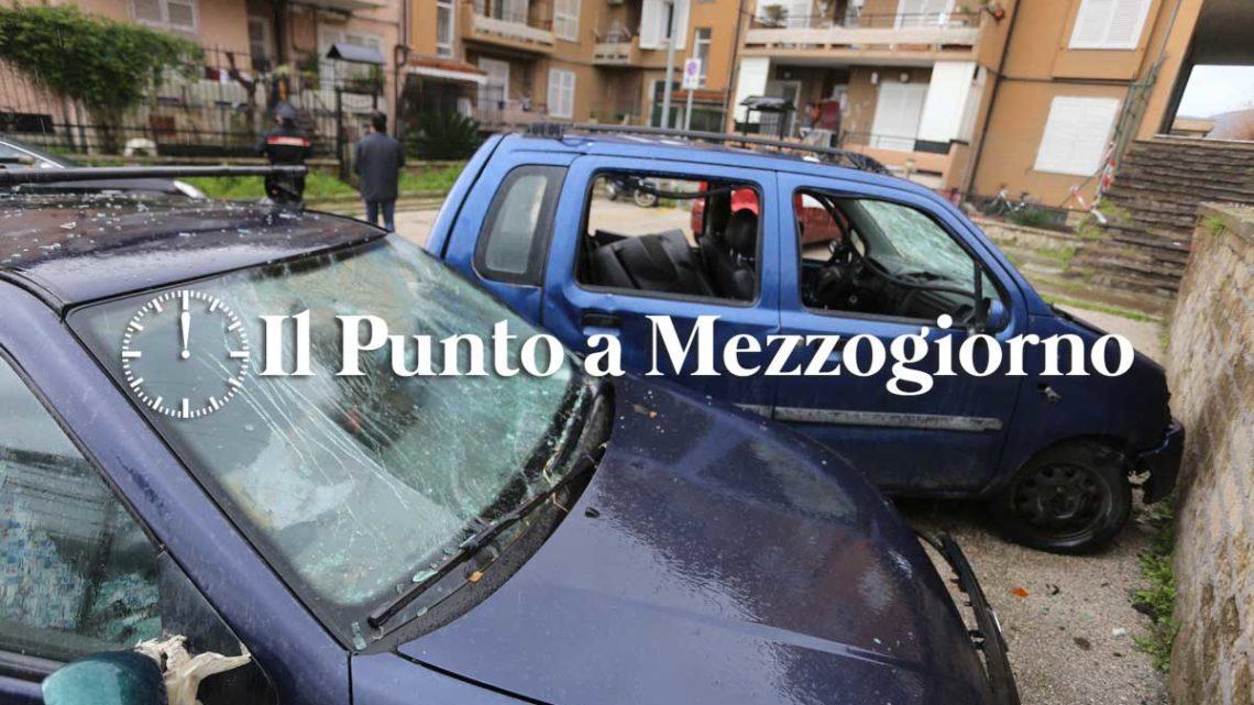 Capodanno 2021, tre feriti a Caserta e auto distrutte