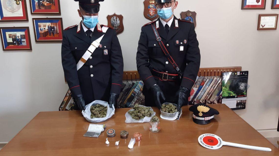 Settefrati – Scoperto dai carabinieri con due etti di marijuana, 22enne arrestato