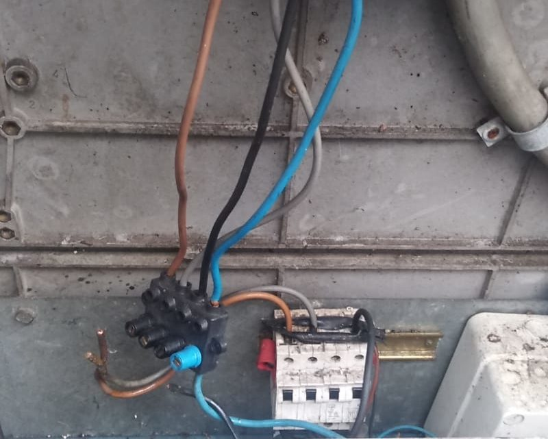 Danneggiano cabina elettrica, black out in centro a Cassino