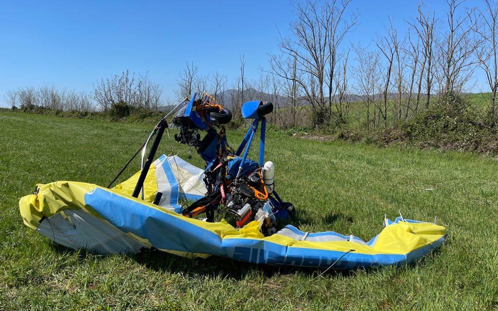 Si schianta al suolo con il deltaplano a motore, ferito 44enne di Frosinone