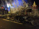 Auto in fiamme in galleria, intervengono pompieri da Isernia e Cassino